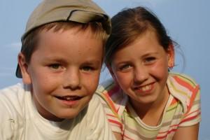 Soziale Kompetenz: Geschwister haben mehr Einfluss als Eltern
